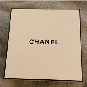 Chanel white box